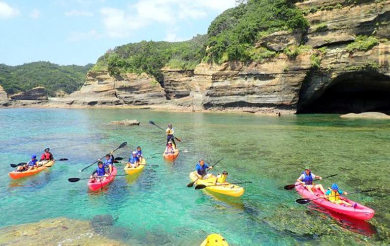 「青の洞窟」をめぐる海の大冒険へ